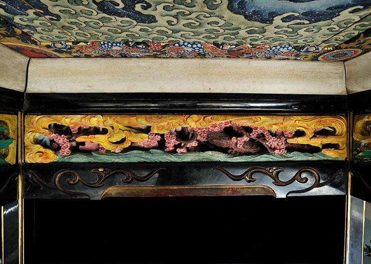 信州小布施・画狂人葛飾北斎肉筆画美術館 北斎館 (前表)「桜に金鶏のつがい(裏)」
